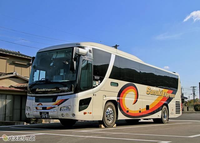 四国高速バスの車両外観