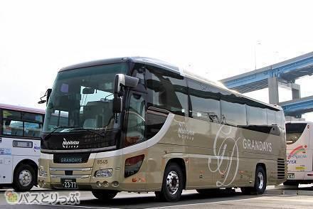 新たな豪華バスが登場! ホテルのようにくつろげる上質な空間。西鉄の新バスツアーブランド「GRANDAYS」専用車を紹介!