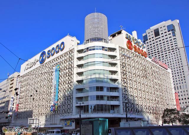 紙屋町交差点に位置する広島バスセンター