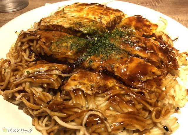 お好み焼きは広島の名物のひとつ