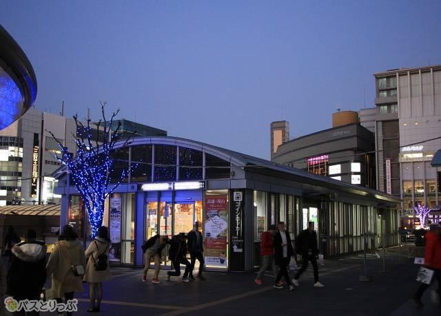京都駅烏丸口の待合室