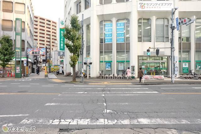 本川越駅りそな銀行・横断歩道