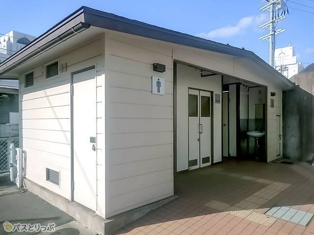 和歌山駅東口改札近くのトイレ
