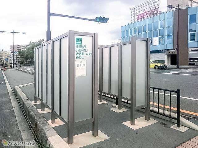 南海和歌山市駅改札近くの喫煙所