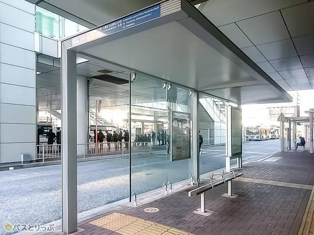 新横浜駅前バスターミナル3番乗り場