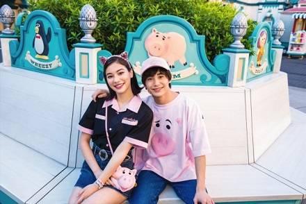 """『トイ・ストーリー』""""ハム""""のシャツや身に着けグッズがかわいい! ピンクを身にまとって春の東京ディズニーリゾートを楽しもう"""