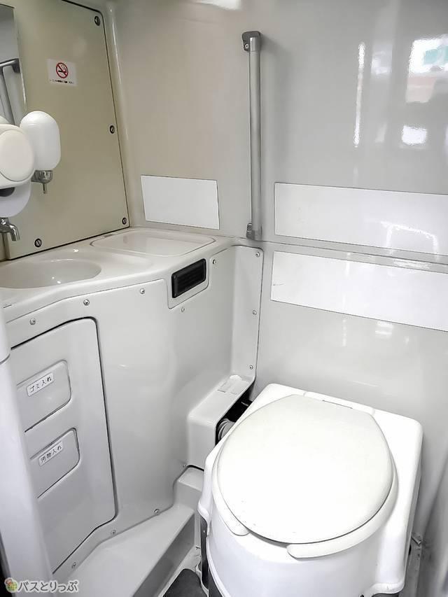 掃除が行き届いたきれいなトイレ