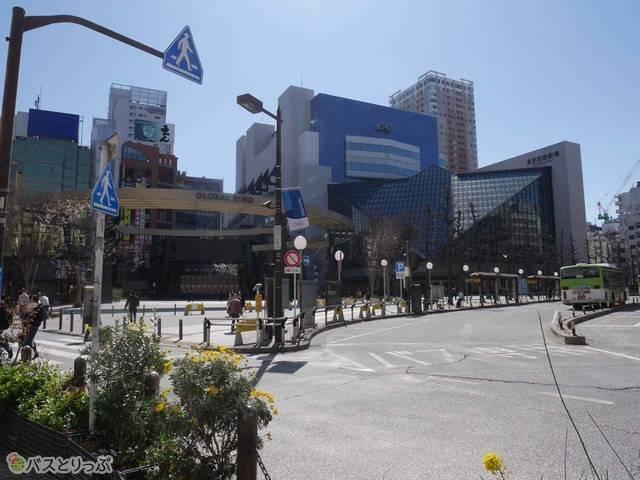 池袋駅西口バスターミナル