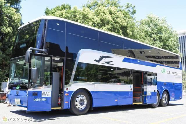 新型スカニア製2階建て車両(JRバス関東)