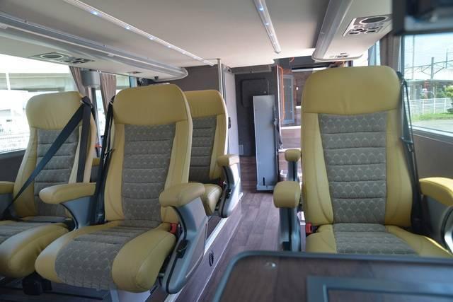 1階席のビジネスシート(画像提供:岩手県北バス)