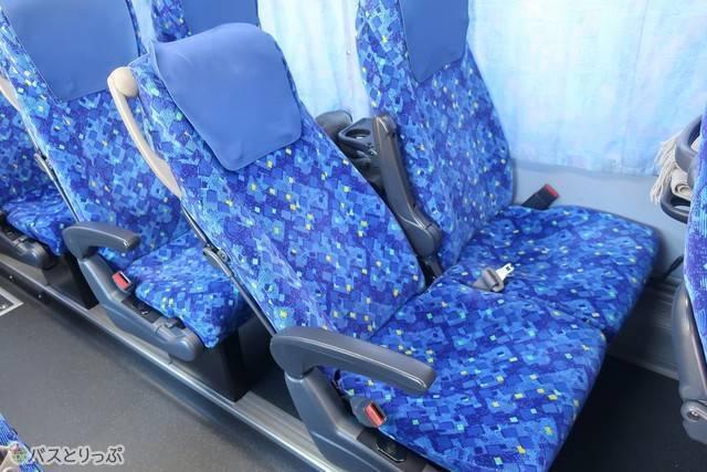 トラビスジャパン「花バス」の車両シート