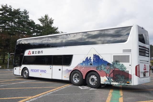 「新宿~富士五湖線」2階建てバス