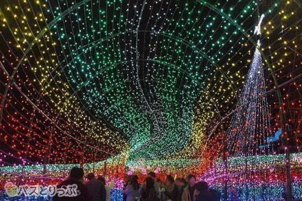 広大な敷地に広がる光の絶景! 東京からバスツアーで行けるイルミネーションスポット5選