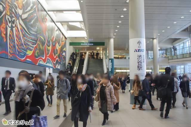 渋谷マークシティ2階の自由通路