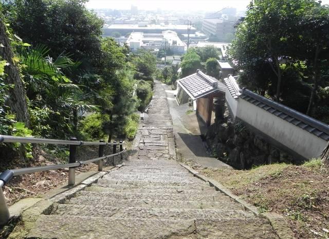 鬼が造った九十九段の階段.jpg