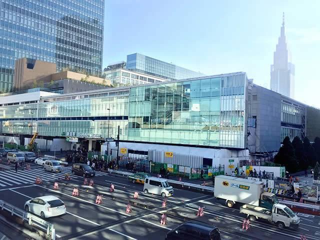 新宿駅南口「バスタ新宿」
